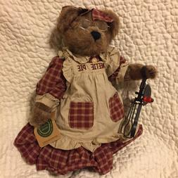 BOYDS BEARS. AUNT BECKY BEARCHILD. TAGS EXCELLENT WITH WHISK